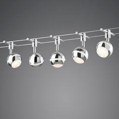 Seilsystem George 5 LED Moderne und elegante Seil-Beleuchtung mit 5 LED-Scheinwerfern und einem 5 Meter langen Kabel. Das Set besteht aus fünf modernen LED-Strahlern in einem elegantem grau. Die Lichtstärke beträgt 1750 Lumen. #Innenbeleuchtung #Lampe #Spot #Light