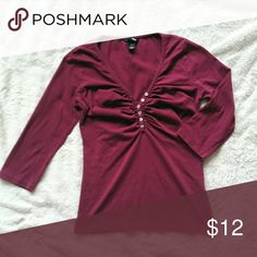 H&M 3/4 Sleeve Top Perfect for Fall!. Simple top is great with a pair of jeans. Light wear to the fabric (can tell it has been washed a couple times). No stains, holes, or pilling. Non smoking home. H&M Tops Tees - Long Sleeve