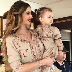 Caftan 2018 Takchita Luxe Pour Fêtes   Grand Evenements - Caftan Marocain  de Luxe 2018   a73e5c2b97e