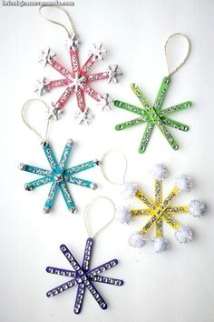 Christmas Crafts For Kids Snowflake Ornaments # weihnachten basteln für kinder schneeflocke ornamente # # artisanat de noël pour les ornements de flocon de neige pour enfants # manualidades navideñas para niños adornos de copo de nieve Kids Christmas Ornaments, Easy Christmas Crafts, Snowflake Ornaments, Christmas Trees, Easy Ornaments, Homemade Christmas, Snowflake Craft, Christmas Crafts For Kids To Make At School, Christmas Decorations Diy For Kids
