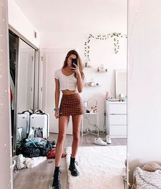 Casual and Simple Spring Outfits Ideas Mode Outfits, Trendy Outfits, Summer Outfits, Fashion Outfits, Girly Outfits, Mini Skirt Outfits, Womens Fashion, Skirt Mini, Black Outfits