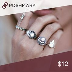 5pcs Silver Boho  Stackable Finger Knuckle Rings Description                 Specification: Brand new Material: White turquoise Weight: 11g Beautiful design with a touch of elegance Easily match any dress Wonderful accessories for you or your friends Package included:  1set(5pcs) x Ring Jewelry Rings