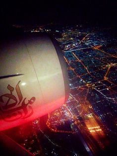 Just chilling over Dubai on board of Emirates pic.twitter.com/MT96Qt4zGM