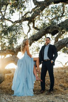 Engagement Pictures Let's order u a gown like this for your engagement shoot! Engagement Dresses, Engagement Couple, Engagement Shoots, Wedding Engagement, Engagement Photo Dress, Country Engagement, Outfits For Engagement Pictures, Elegant Engagement Photos, Winter Engagement