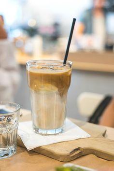 Die Brüher - Ein Coffeedate bei 35 Grad in Linz - coral and mauve Mauve, Coral, Foods, Tea, Coffee, Drinks, Tableware, Linz, Food Food