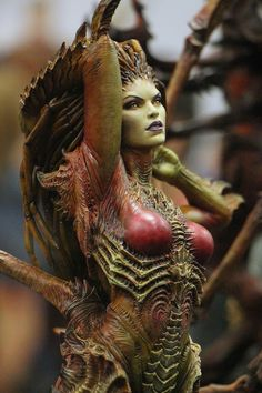 Starcraft Kerrigan Statue by Sideshow Collectibles 1