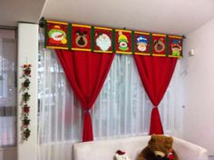 Resultado de imagen para cortinas navideñas con luces Christmas Mom, Christmas Sewing, Christmas Makes, All Things Christmas, Christmas Crafts, Xmas, Christmas Ornaments, Felt Christmas Decorations, Diy Weihnachten