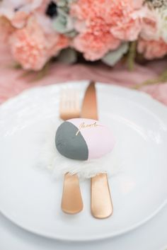 Painted rock place card | LH Photography | see more on http://burnettsboards.com/2014/02/glamorous-creative-love-sweet-shoot/