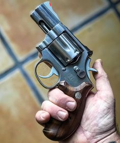 Weapons Guns, Guns And Ammo, Smith And Wesson Revolvers, Smith Wesson, Revolver Pistol, Fire Powers, Gun Holster, Military Guns, Hunting Rifles