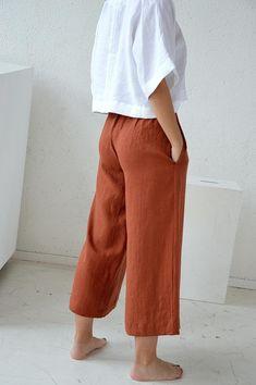 Linen Trousers, Culottes, Fabric Samples, Flare Pants, Blue Denim, Ideias Fashion, What To Wear, Shorts, Pants For Women
