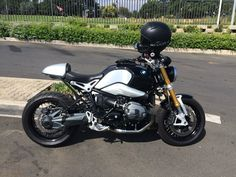 R nine T cool Nine T, Bmw Cafe Racer, Cars And Motorcycles, Motorbikes, Honda, Vehicles, Motorcycles, Bmw Motorrad, Car