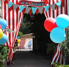 Decoration for children's party with farm theme - Home Fashion Trend Dumbo Birthday Party, Carnival Birthday Parties, Circus Birthday, Birthday Party Themes, Birthday Ideas, Carnival Decorations, Carnival Themes, Party Decoration, Zug Party