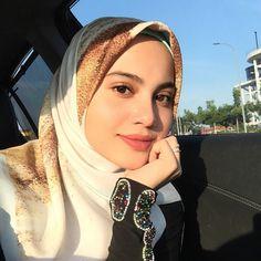 Fav bawal from ❤️ Beautiful Hijab Girl, Beautiful Muslim Women, Hijab Makeup, Ash Blonde Balayage, Muslim Beauty, Hijab Fashion Inspiration, Hijab Chic, Special Girl, Girl Hijab