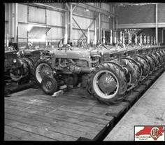FARMALL Cubs Farmall Tractors, Old Tractors, International Tractors, International Harvester, Rail Car, Antique Tractors, Cub Cadet, Signage, Trains
