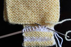 I made these shoes as my friend& baby shower gift based on the pictures of FO& and the progress shots on Ravelry, since I cou. Easy Baby Knitting Patterns, Baby Booties Knitting Pattern, Knit Baby Shoes, Knit Headband Pattern, Knitting Paterns, Baby Hats Knitting, Crochet Baby Booties, Baby Girl Quilts, Ravelry