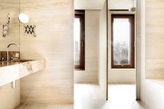 Crema Rosal marble & Onyx Travertine onyx. #bathroom #interior #design
