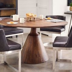 35 Fabulous Round Pedestal Dining Table Design Ideas - Have you ever considered the chances of getting a round pedestal dining table for your dinning room and you were puzzled with all the different option. West Elm Dining Table, Round Pedestal Dining Table, Reclaimed Wood Dining Table, Wood Pedestal, Dining Table Design, Modern Dining Table, Dining Table In Kitchen, Round Kitchen Tables, Round Wood Table
