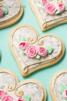 Marbled Cookies with Gold Trim and Pink Roses – SweetAmbs Marbled cookies with gold trim and royal icing roses Galletas Cookies, Iced Cookies, Cupcake Cookies, Sugar Cookies, Owl Cookies, Cupcakes, Unicorn Cookies, Cookie Favors, Baby Cookies