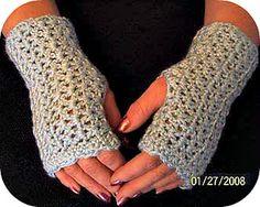 Elegant wrist warmers ~ free pattern ᛡ