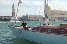 Bond sitting on the Spirit 54 yacht in Casino Royale.    http://www.greatamericandays.com/experience/water/scenic_cruises/late_night_schooner_rendezvous_new_york