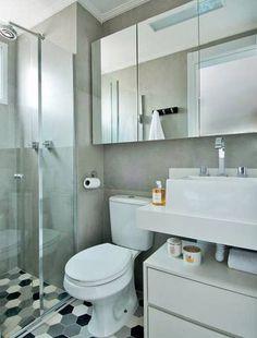 Banheiro com piso geométrico