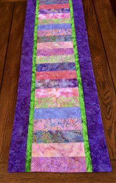 Easter / Spring Table Runner - Handcrafted by AlidanCreations on Etsy