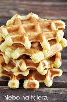 Gofry belgijskie Baby Food Recipes, Sweet Recipes, Cake Recipes, Belgian Waffles, Polish Recipes, Food Cakes, Diy Food, Cinnamon Rolls, Cake Cookies