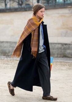 Casual Fall / Winter Look - Fall / Winter Must Haves Collection. New Fashion, Trendy Fashion, Winter Fashion, Fashion Outfits, Womens Fashion, Fashion Trends, Style Fashion, Scarf Design, Casual Chic Style