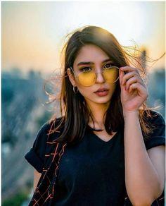 Pakistani Girl, Pakistani Actress, Best Friend Drawings, Girls Dp Stylish, Pakistani Dresses Casual, Cute Girl Face, Girls Dpz, Celebs, Celebrities