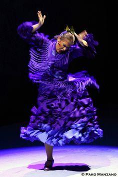 Pastora Galván fotografiada por Pako Manzano para la reseña y galería fotográfica en aireflamenco.com del estreno de Metáfora del Ballet Flamenco de Andalucía en Almería.