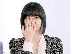 Blackpink Poster, Lisa Bp, Me As A Girlfriend, Blackpink Photos, Blackpink Jisoo, Korean Girl, Cool Girl, Besties, Lily