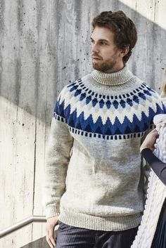 Miehen kaarrokeneulepusero Novita 7 Veljestä Icelandic Sweaters, Wool Sweaters, Knit In The Round, Fair Isle Knitting, Knitting Designs, Knitting Patterns, Knitwear, Men Sweater, Swatch
