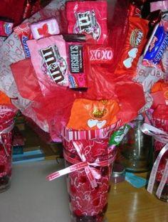 Valentine's candy bouquet! such a cute idea!