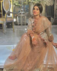 Image may contain: 1 person Pakistani Wedding Dresses, Indian Dresses, Bridal Dresses, Pakistan Fashion Week, Pakistan Street Style, Pakistani Actress, Pakistani Dramas, Beautiful Hijab, Beautiful Ladies