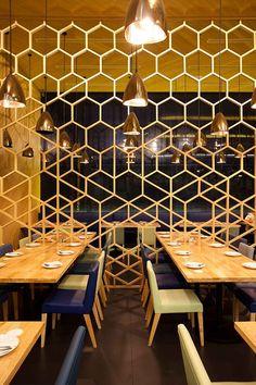 Laem charoen seafood Siam Paragon Design By Onion Architects: