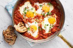 Bakade ägg i tomatröra.