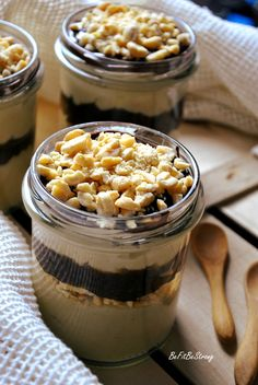 deser-snickers-jaglany2 Macaroni And Cheese, Healthy Snacks, Oatmeal, Strong, Breakfast, Cake, Ethnic Recipes, Fitness, Food