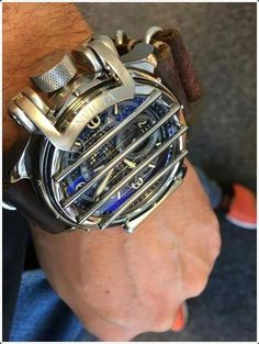 Cool mens watches are a must have whether you are an office going person or you work at some eating joint. Cool men watches can have a number of variations; the size of the dials may vary or even the material of the strap can be different. Best Watches For Men, Big Watches, Amazing Watches, Beautiful Watches, Luxury Watches For Men, Cool Watches, Male Watches, Latest Watches, Casual Watches