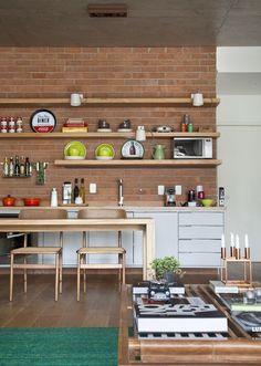 Prateleiras na cozinha 2