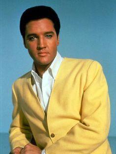 O cantor costumava aparecer em público com trajes elegantes  Foto: Getty Images