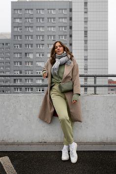 Auf dem Modeblog zeige ich dir die schönsten Jogginghosen für den Winter. Wie ich die Sweatpants am liebsten kombiniere und weitere Outfit-Ideen für Damen stelle ich dir heute vor. www.kleidermaedchen.de