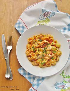 #Orecchiette al# Pomodoro con Filetti di Gallinella.   #pasta e #pesce  Abbinamento semplice e di successo.