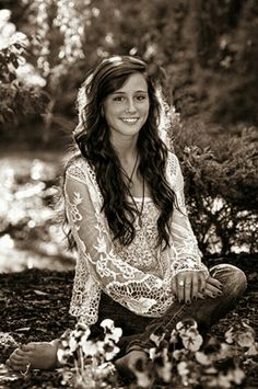 Senior Picture Ideas for Girls- maybe with the lake in the background?