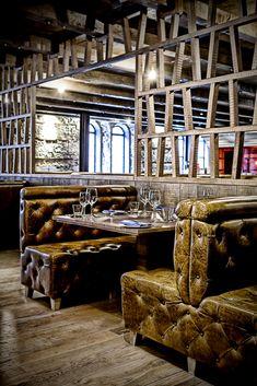 The Ghillie Dhu bar, Edinburgh