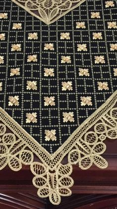 Beaded Embroidery, Embroidery Patterns, Cross Stitch Patterns, Palestinian Embroidery, Point Lace, Diy And Crafts, Textiles, Elsa, Decor