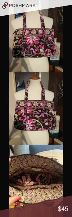 EUC Vera Bradley Tote Gorgeous Vera tote.  Perfect for everyday use.    Like new with clean interior.  12L x 8.5 H x 3W Vera Bradley Bags