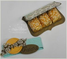 Inside of top note...wrapped Hershey chocolates!  Thanksgiving favor!