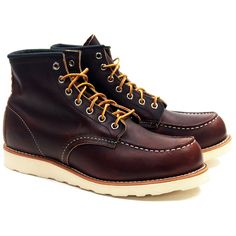 STYLE NO. 8138 : CLASSIC MOC Modeled after Red Wing's original work boot style, the 8138 is a 6-Inch Moc Toe featuring Briar Oil Slick leather, white Traction Tred rubber outsole outsole, triple stitc