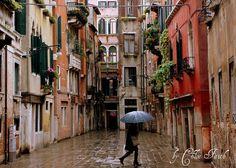 Calle Dei Botteri, Venice, Italy / Umbrella by ChloeFaith on Flickr.