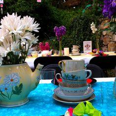 Mad Hatter tea party Alice In Wonderland Tea Party, Mad Hatter Tea, Baby Boy Shower, Party Time, Shower Ideas, Tea Pots, Party Ideas, Table Decorations, School